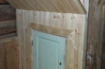 Renovering av flygel, tillverkning av utrymme under trappa